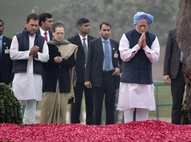 Modi, Rahul, others pay tribute to Indira Gandhi