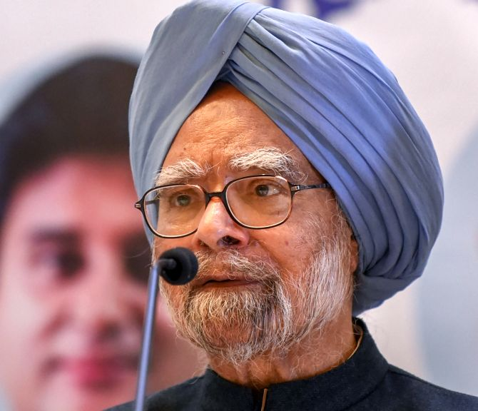 Modi government making calibrated bid to weaken democracy: Manmohan Singh