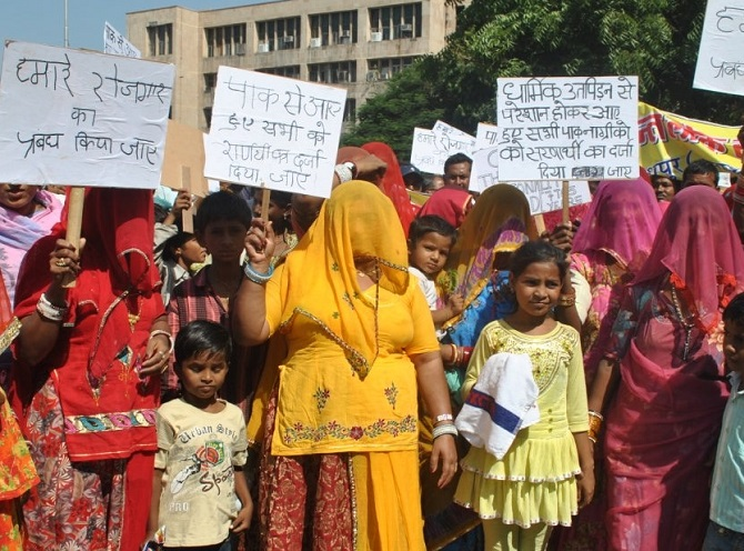 The nowhere people: Pakistan Hindu refugees in India - Rediff com