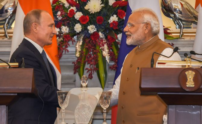 India News - Latest World & Political News - Current News Headlines in India - PM invites Russia to set up defence industrial park in India