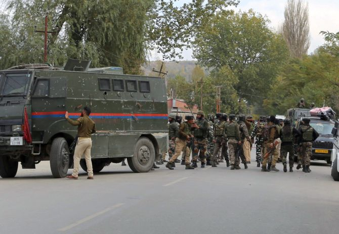 India News - Latest World & Political News - Current News Headlines in India - 5 terrorists killed by security forces in Baramulla