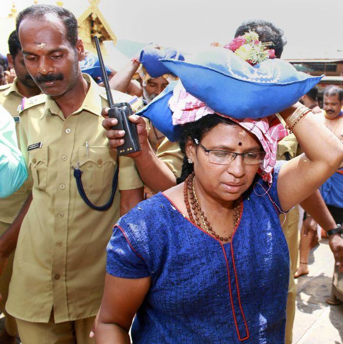 India News - Latest World & Political News - Current News Headlines in India - 4 women stopped from proceeding to Sabarimala shrine on Day 5