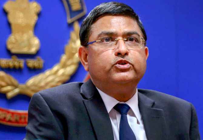 Centre curtails Asthana's tenure with immediate effect