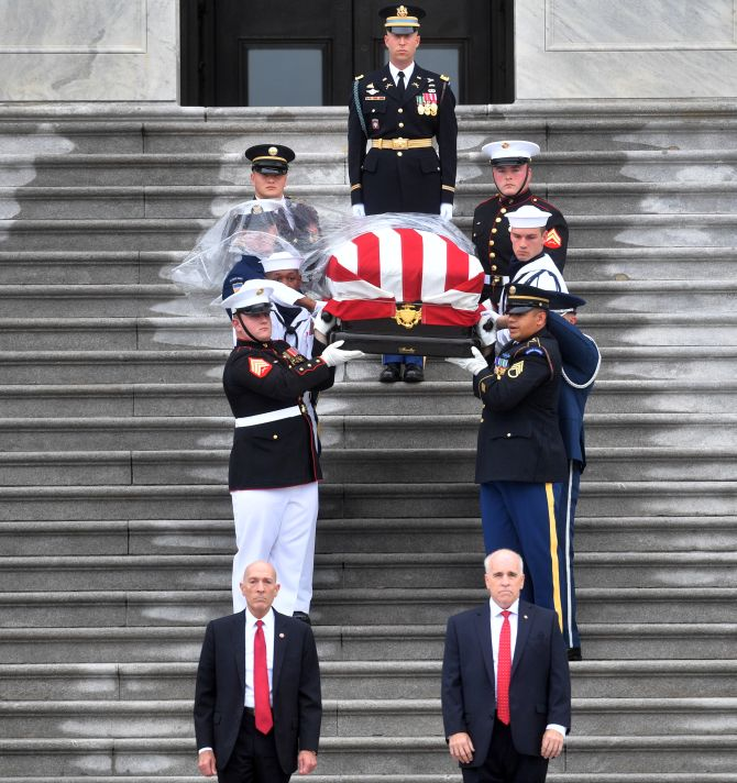 John Mccain Funeral: The Most Moving Photos From John McCain's Funeral