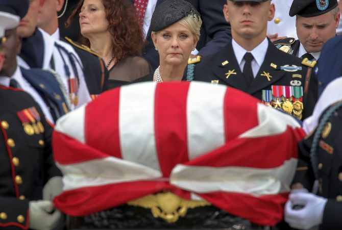 India News - Latest World & Political News - Current News Headlines in India - The most moving photos from John McCain's funeral