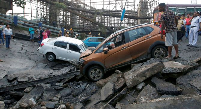 India News - Latest World & Political News - Current News Headlines in India - Kolkata bridge collapse: Toll rises to 3