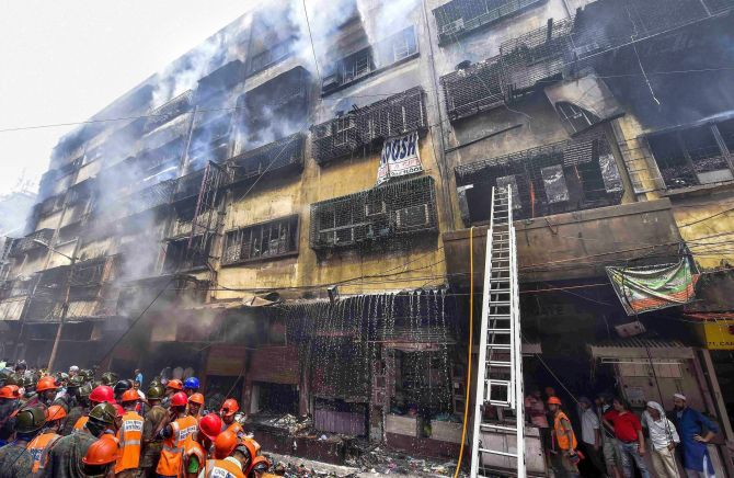 India News - Latest World & Political News - Current News Headlines in India - Kolkata's Bagree Market fire under control, FIR against building owners