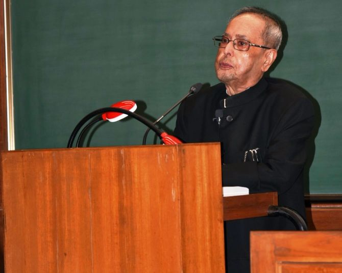 India News - Latest World & Political News - Current News Headlines in India - Pranab Mukherjee delivers 1st lecture at IIM-A