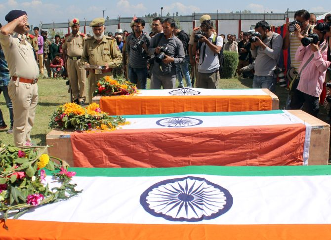 India News - Latest World & Political News - Current News Headlines in India - 6 J-K cops quit after terrorists kill 3 colleagues; MHA denies resignations
