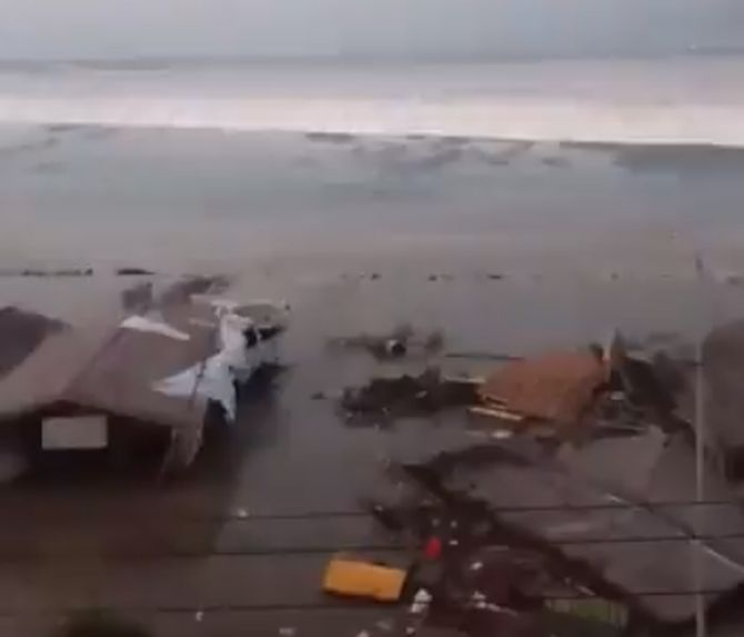 India News - Latest World & Political News - Current News Headlines in India - Tsunami strikes Indonesian city after strong earthquake
