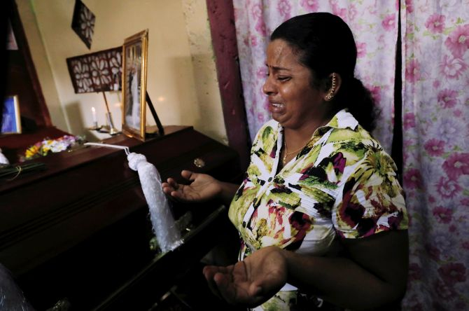 Lanka bombings: Toll over 310; national mourning today