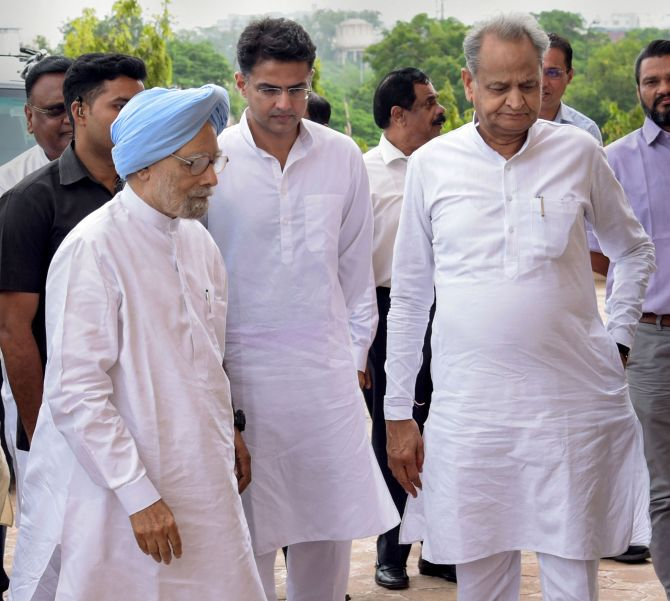 Manmohan Singh files RS nomination from Rajasthan - Rediff