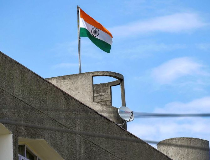 J-K flag removed from civil secretariat in Srinagar