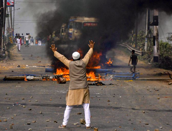 Violent protests continue in WB over Citizenship Act