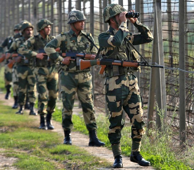 Indian Army destroys 7 military posts across LoC - Rediff