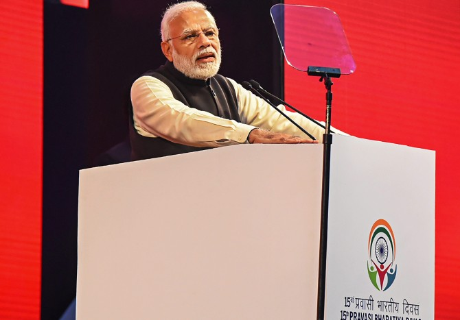 Modi first PM to strike political note at Pravasi Bharatiya Divas