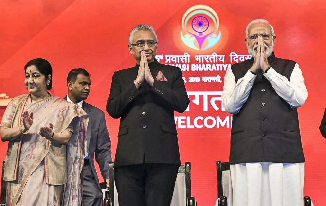 PM at NRIs meet: We plugged '85% loot' taking place during Cong rule