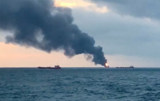 14 killed as ships with Indian, Turkish crews catch fire
