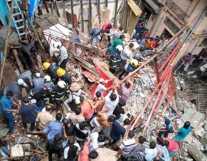 40-50 feared trapped as building collapses in Mumbai