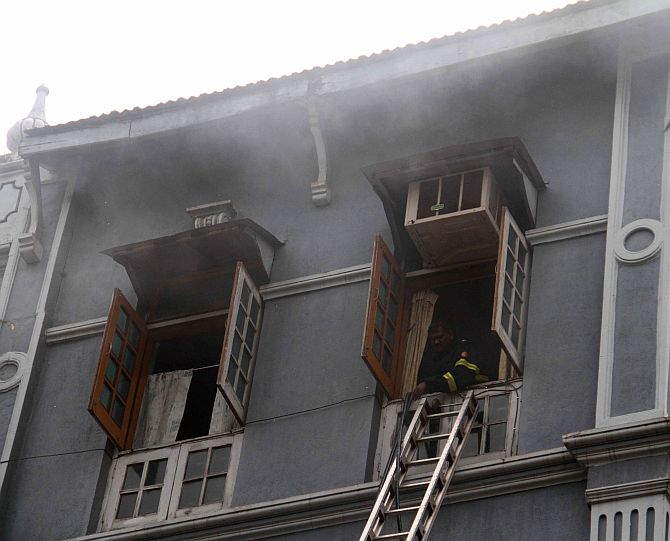 1 killed as fire erupts in Mumbai building; 14 rescued