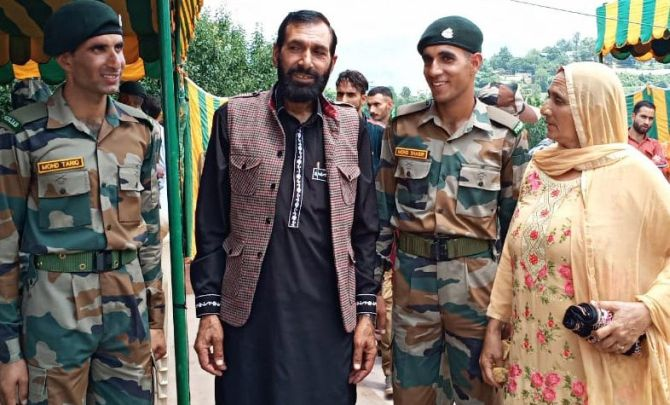 Aurangzeb's brothers join Army to 'avenge his killing'