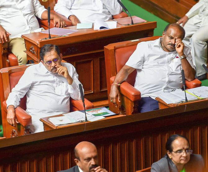 Kumaraswamy govt falls after losing trust vote