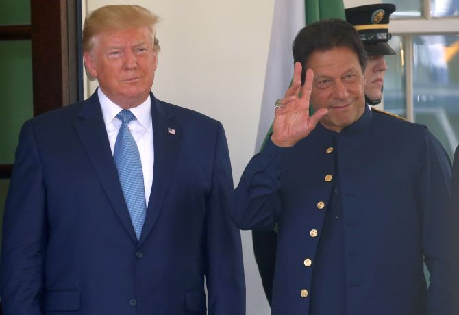 Trump asks Imran to moderate his rhetoric with India
