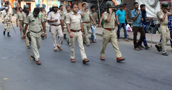 Bengal on the boil, 2 dead in clashes near Kolkata