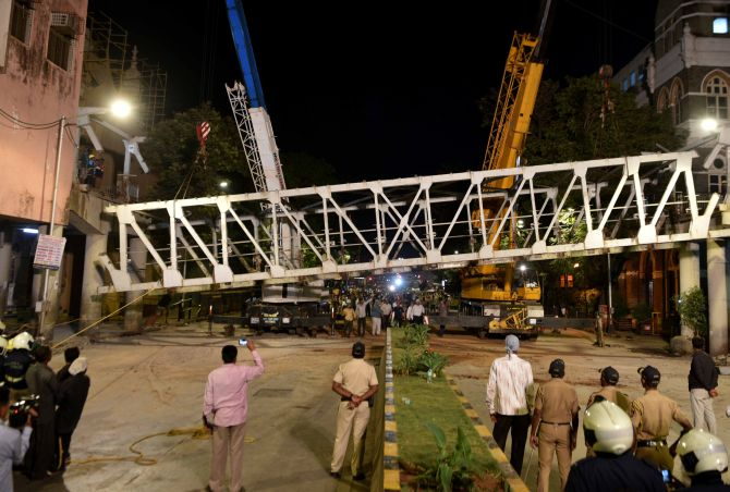 Structural auditor held for Mumbai bridge collapse