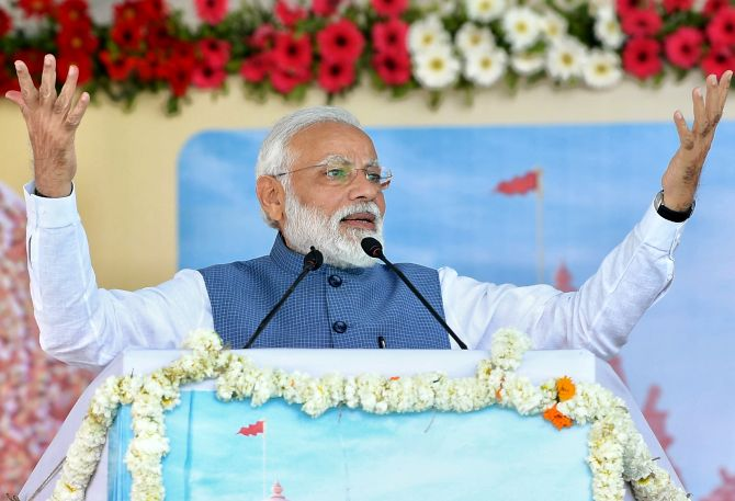 PM attacks Congress, says institutions biggest casualty of 'dynastic politics'