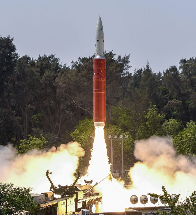 India shoots down live satellite, 4th country to enter space
