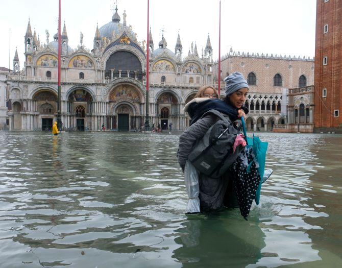 Venice becomes lake as flood season begins