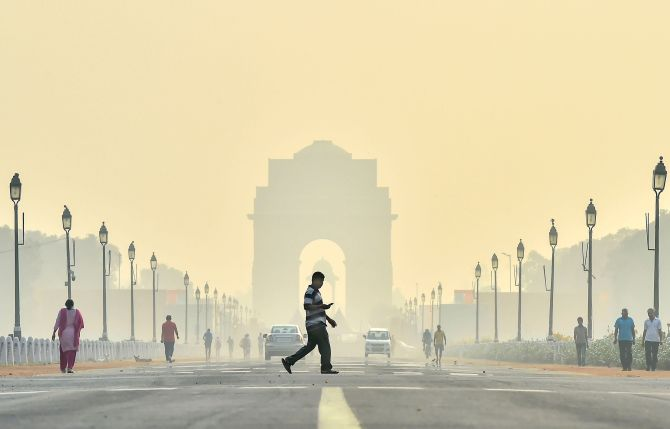 Delhi chokes with 'very poor' air quality again