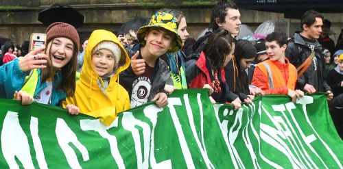 Greta's climate march brings UK streets to a halt