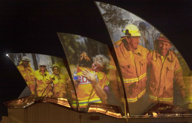 13opera4 - Get Sydney Opera House Firefighters Image  Pictures