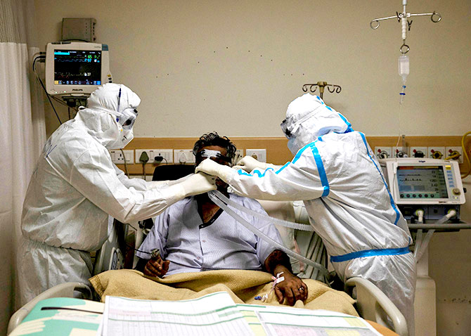 Inside a Delhi hospital treating COVID-19 patients
