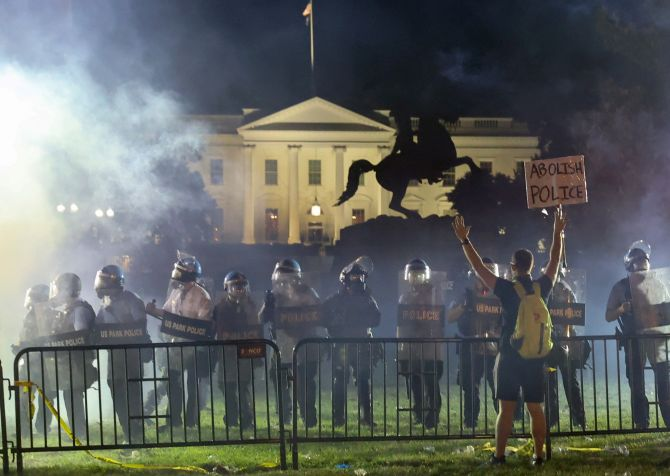 Violent protests engulf US, 40 cities under curfew