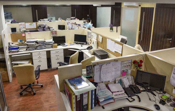 offices in mumbai  pune closed till march 31  essential