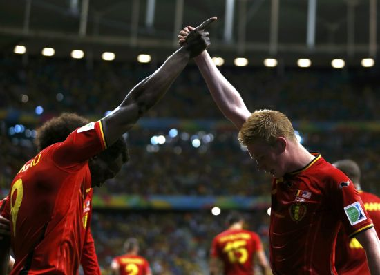 Belgium's Romelu Lukaku celebrates with Kevin De Bruyne (R) after scoring a goal