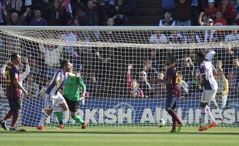 Rediff Sports - Cricket, Indian hockey, Tennis, Football, Chess, Golf - La Liga: Barca title hopes hit by shock defeat in Valladolid