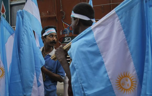 Vendors sell Argentina flags in Kolkata