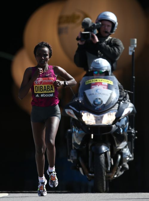 Tirunesh Dibaba of Ethiopia passes through Blackfriars tunnel during the Virgin London Marathon