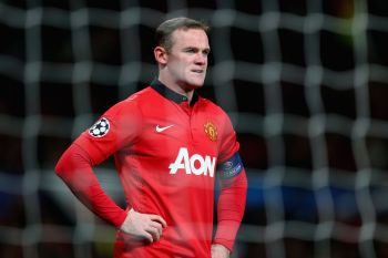 England's Rooney signs new long-term United deal