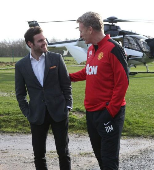 David Moyes meets new recruit Juan Mata