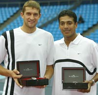 Max Mirnyi (left) with Mahesh Bhupathi