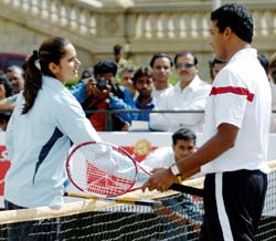 Bhupathi and Sania at the Sunfeast Open