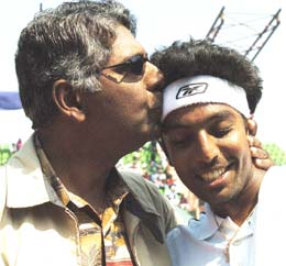 Vijay (left) and Prakash Amritraj