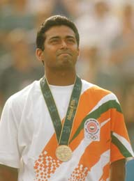 Leander wins the bronze medal at Atlanta Olympics