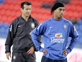 Dunga (left) and Ronaldinho