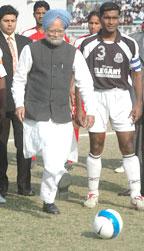 PM Manmohan Singh inaugurates the NFL